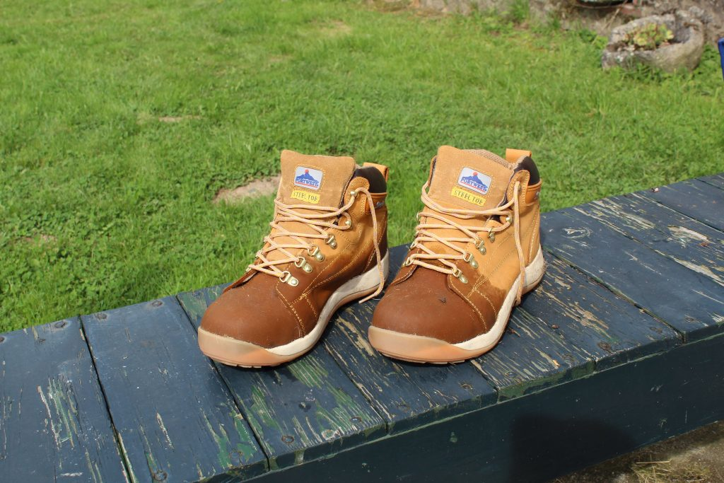 the creuse hiking boots
